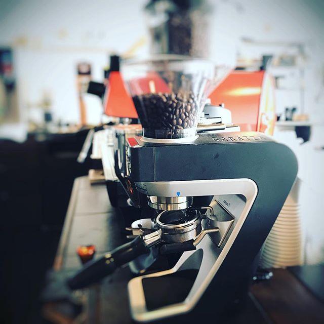 おはようございます本日も美味しいコーヒー淹れてお待ちしております!#coffee #fourbarrel #sunnyscoffee #pourover #cafe #coffeeshop #espresso