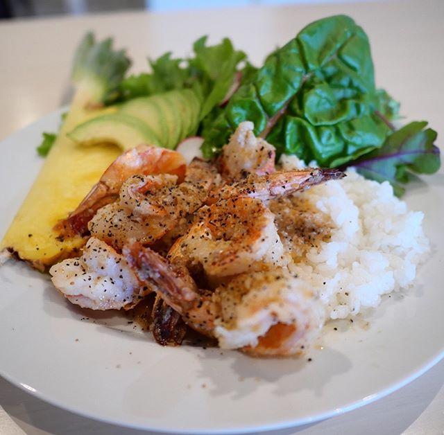 こんにちは!Sunny's coffee のハワイアンフェア明日までです!!・ランチでは本場ハワイを感じられる「ガーリックシュリンプ」と「ロコモコ」をご用意しています!!・サニーズのランチでハワイを感じてみてはいかがですか?ご来店お待ちしております!・#sunnyscoffee #hawaiian #hawaiianfair #サニーズコーヒー #サニーズコーヒーランチ#ガーリックシュリンプ #ロコモコ #ロコモコ丼 #ハワイアン #ハワイアンフェア #ハワイコナ #ハワイアンコナビール