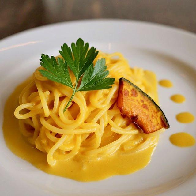 こんにちは!ランチに「かぼちゃのパスタ」はいかがですか?かぼちゃの甘みが引き立つソースは、モチモチの生パスタによく合います!・ご来店お待ちしております!・#サニーズコーヒー #コーヒー #ラテ#ランチ #パスタ #パスタランチ  #かぼちゃ #かぼちゃパスタ #sunnyscoffee #coffee#pasta