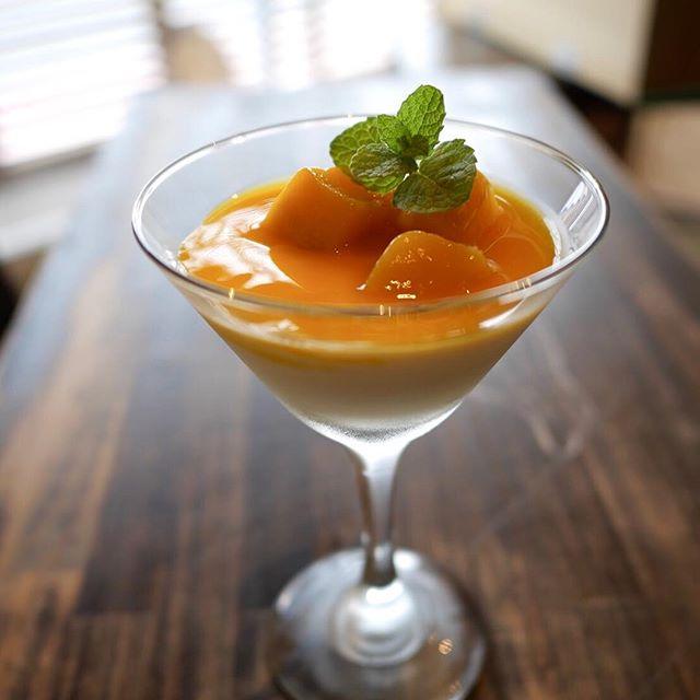 こんにちは!ケーキセットにマンゴーパンナコッタが登場です!数量限定です。ぜひお越しくださいませ!#sunnyscoffee #coffee #mango#pannacotta #cafe #サニーズコーヒー#コーヒー#夏のデザート