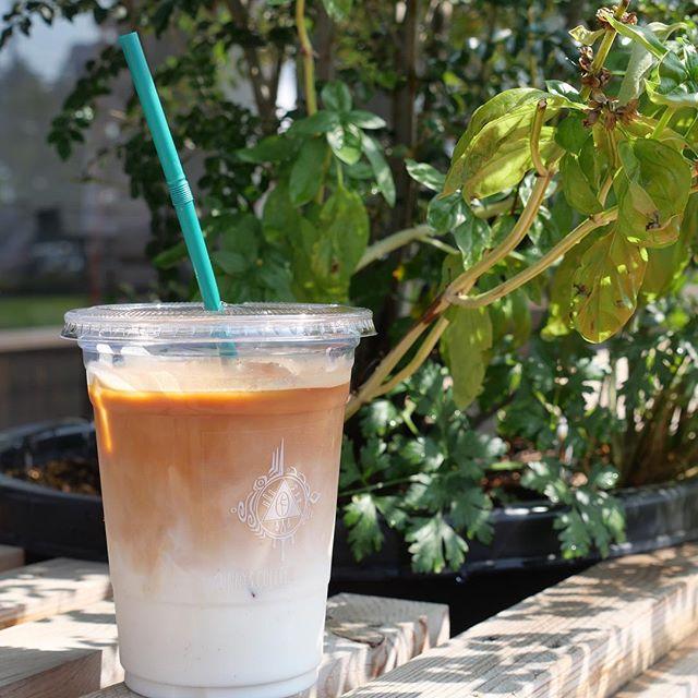 おはようございます!本日も良い天気ですね!皆さん熱中症には気をつけて、水分補給をしっかりとしてください!sunny'sは本日も18時まで営業しておりますので是非ご利用ください!! #sunnyscoffee #coffee #coffeeshop #latte #togo #takeout #espresso