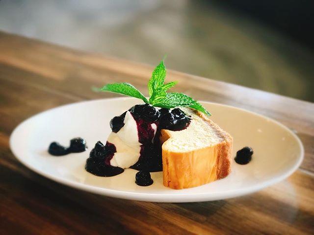 おはようございます。サニーズの人気ケーキ、NYチーズケーキはいかがでしょうか?やっぱりチーズケーキは、コーヒーとの相性ぴったりですね!今日からお休みの方も、お仕事の方も、素敵な1日をお過ごしください。#sunnyscoffee #coffee#late#cheesecake #コーヒー#チーズケーキ#栃木カフェ#カフェ